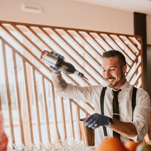Teacher for Bartender Courses – Luis Hernandez