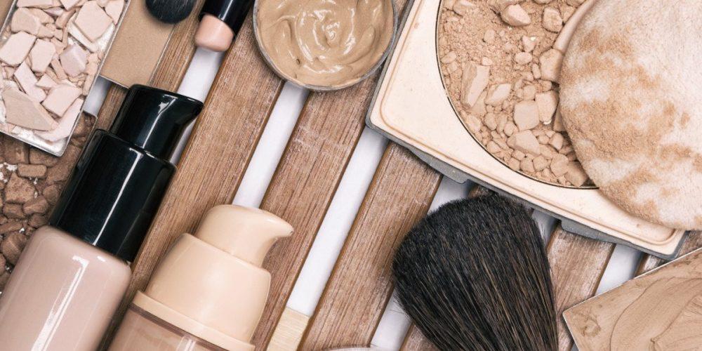 https://marbellaacademy.com/wp-content/uploads/first-step-of-makeup-application-foundation-produc-BCMT7GW.jpg