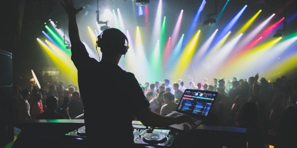 https://marbellaacademy.com/wp-content/uploads/light-celebration-music-party-party-wedding-dance-live-dj_t20_9Jz2JB.jpg