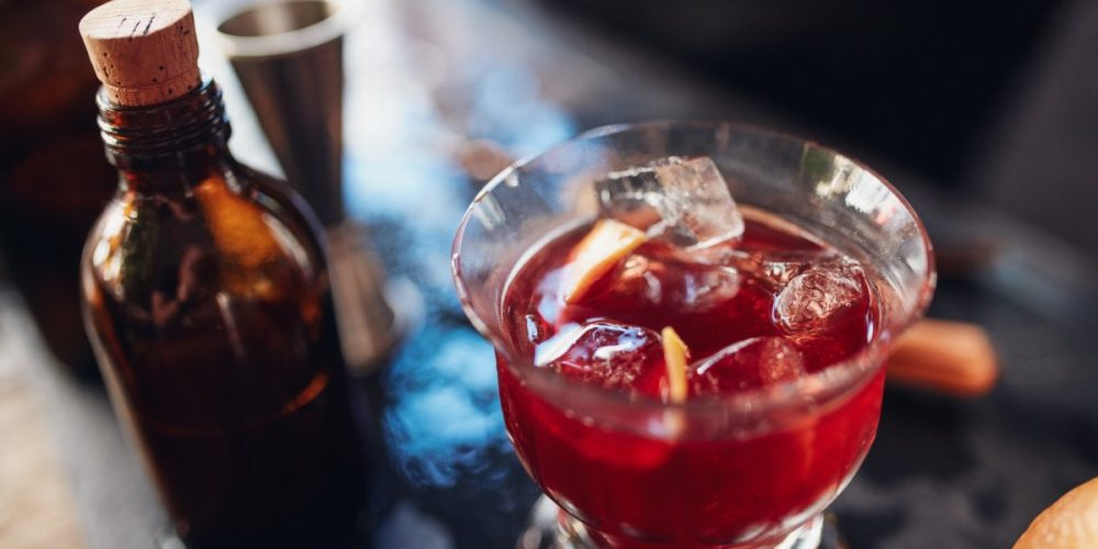 https://marbellaacademy.com/wp-content/uploads/negroni-cocktail-PRSQR85.jpg